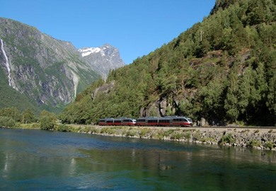 Grand Arctic Circle Explorer rail tour