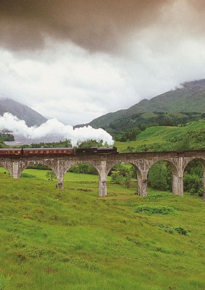 jacobite steam train on glennfinnan viaduct