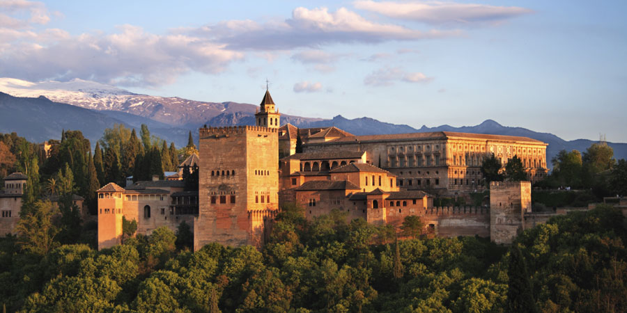 Granada Train Holidays & Rail Tours  Great Rail Journeys