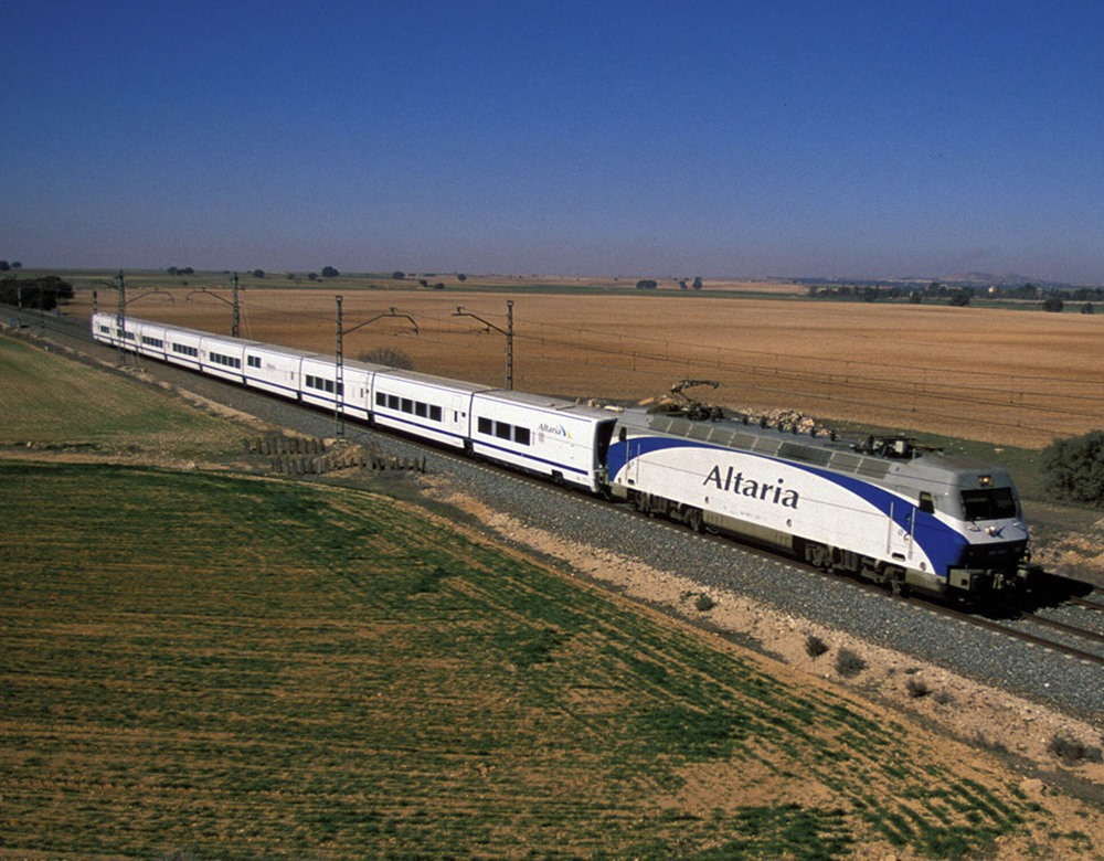 why i prefer journey by rail Find out why travelers are turning to rail there are also those who prefer to ride trains for leisurely travel to see more of the landscape and to relax.