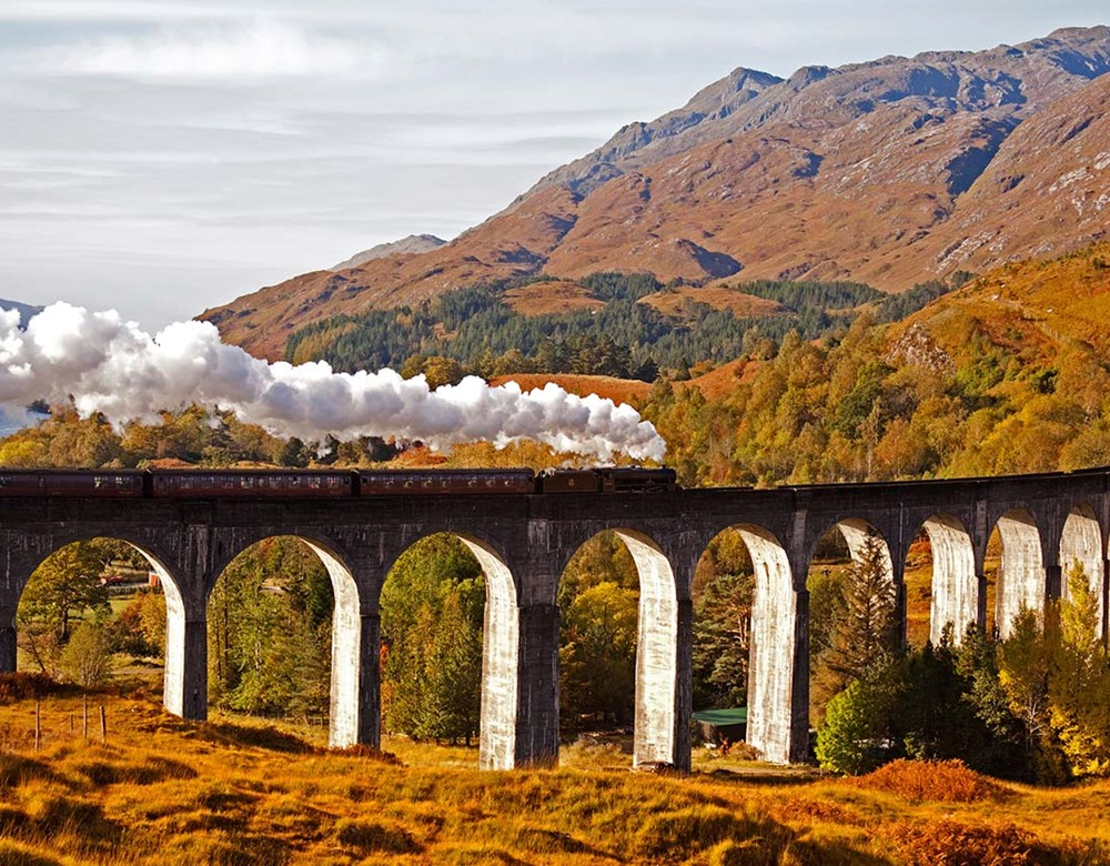 Jacobite Steam Train Glenfinnan at Viaduct