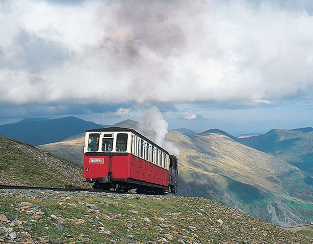 Railroads & Castles of Wales Tour | Great Rail Journeys