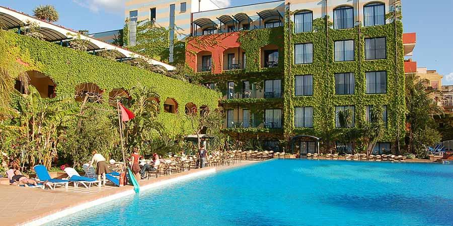 4 hotel caesar palace great rail journeys - Hotel caesar palace giardini naxos ...