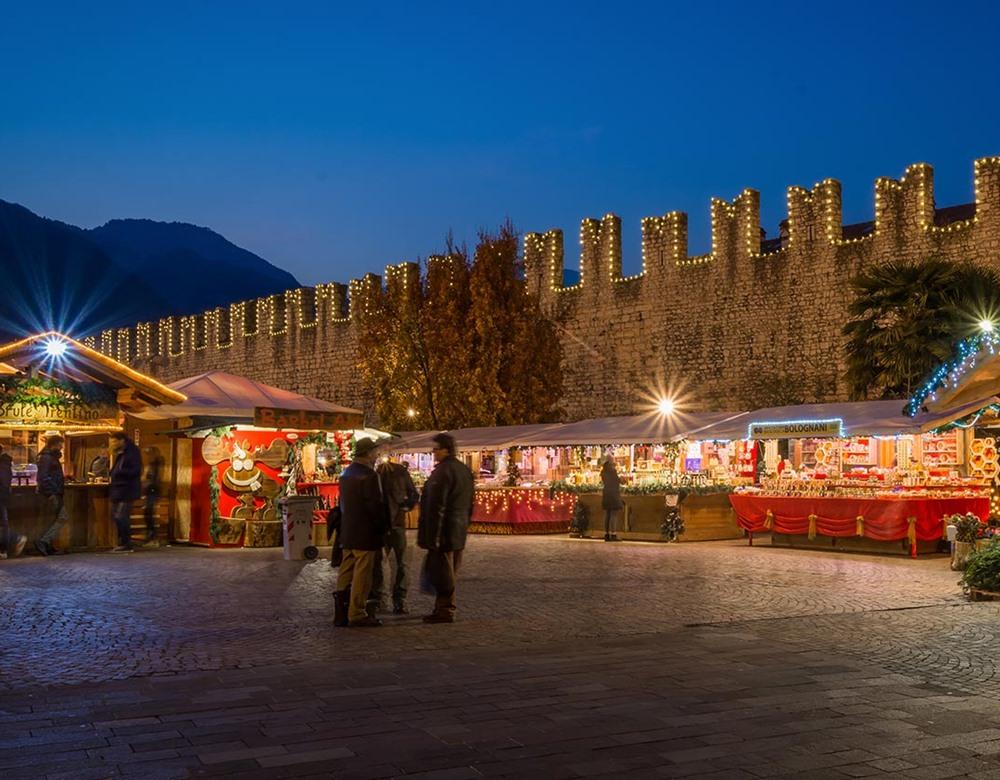 Christmas In Italy 2019.Lake Garda At Christmas Great Rail Journeys